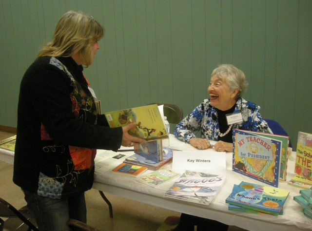 Signing for Richland Library