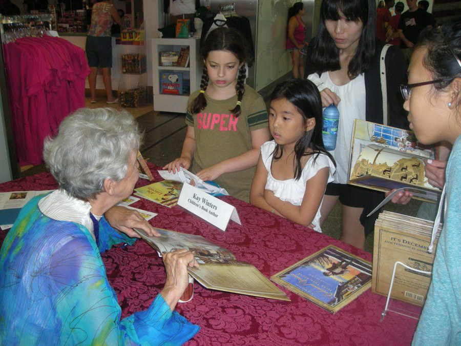 Kay signing at Smithsonian